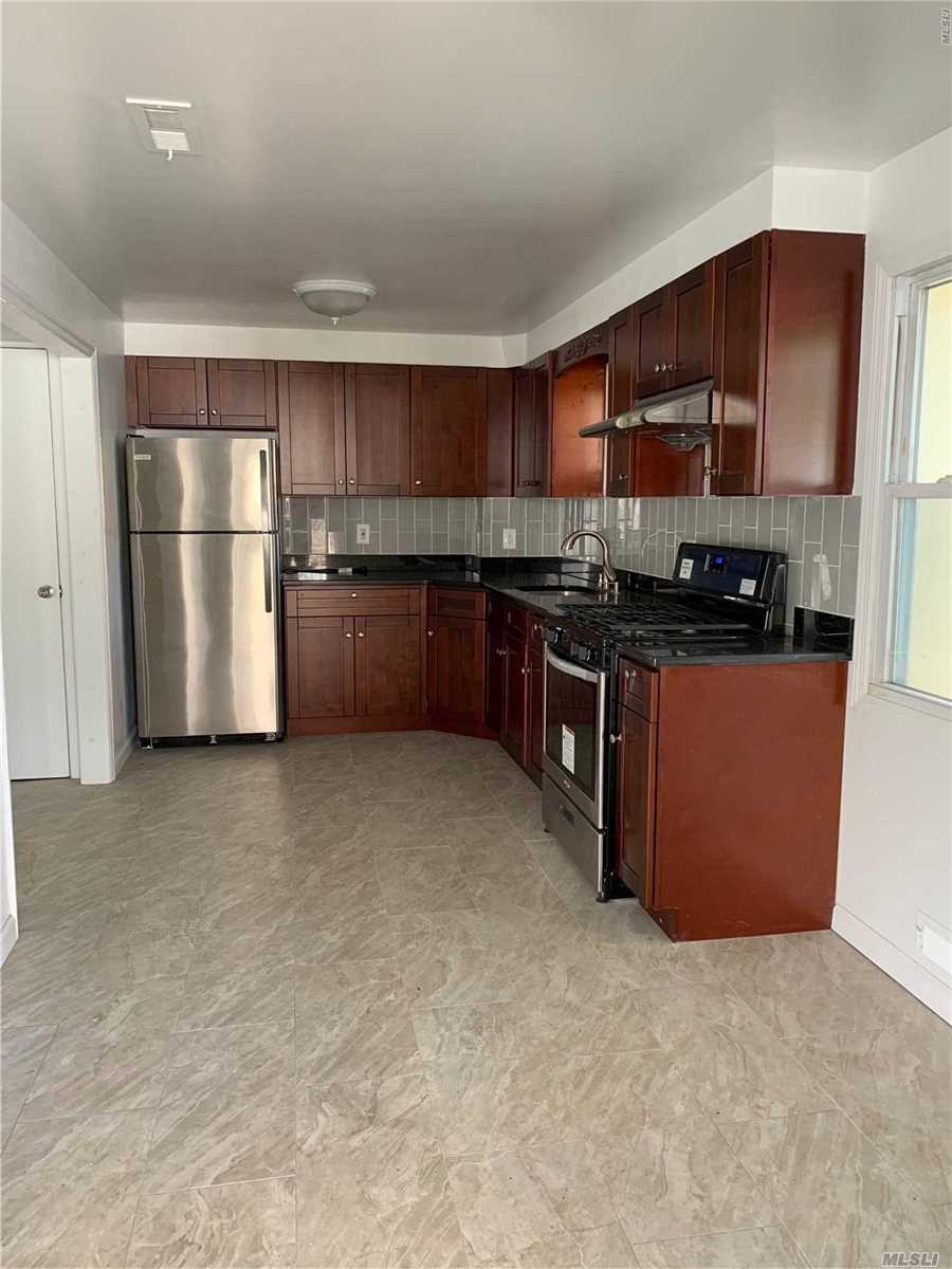 Easy To Show! Renovated 2 Bedrooms, Kitchen, 1 Bath And A Half. Close To Manorhaven Park And Pool, Tennis, Basketball And Skate Courts. Inlet Views Of Beaches And Sunsets. Easy Commute To Nyc And Queens Via Pt Washington Station And Bus