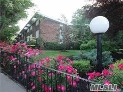 Lovely Spacious One Bedroom With Vaulted Ceilings. Lexington Estates Offers A True Value, With Easy Parking And Newly Renovated Halls Located In The Charming Village Of Oyster Bay, Great Restaurants, Coffee Shops, And Beaches. Priced To Sell.