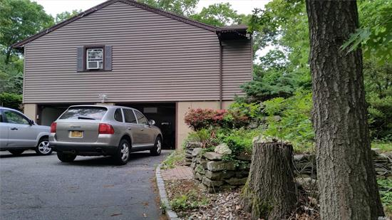 4 Bedroom Splanish Ranch With 3 Baths And 2.5 Car Garages