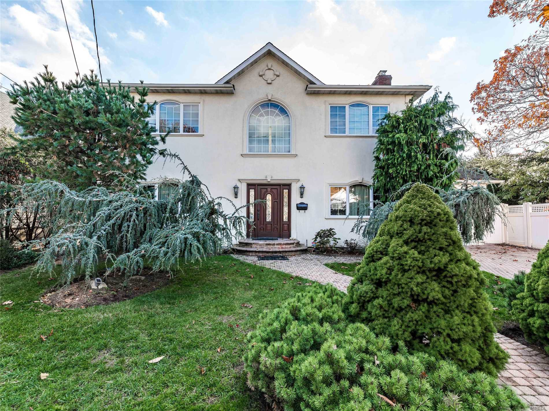 Central Colonial Renovated And Rebuild In 2011 Features 4 Bedroom, 3 Bath, Eik With Ss Appliances And Granite Countertop, Formal Dr , Lr With Fireplace , Den, Master Suite With Walk In Closet, Cac. Almost 3000 Sq.Feet Located On Beautiful Tree Lined Street. Beautiful Yard With Patio , 80X100 Lot. School District 13.