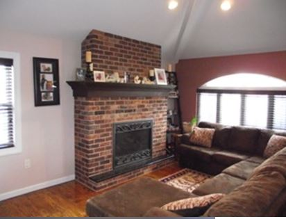 Beautiful 3 Bedroom Apartment For Rent In Whitestone. This Apartment Features A Living Room, Dining Room, Kitchen With Dishwasher And One Full Bath. Hardwood Flooring Throughout. Lots Of Natural Sunlight. Close To All, A Must See!