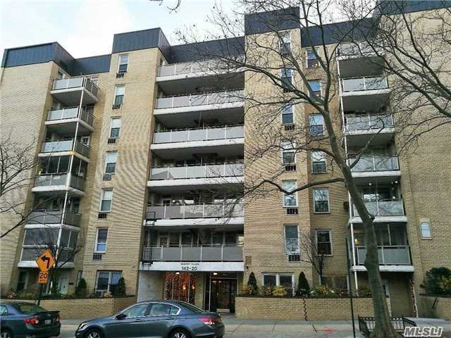 Spacious 2 Bedroom Unit In Elevator Building Situated Within 5 Minutes To All Trains, Shopping And Supermarkets. Call Today