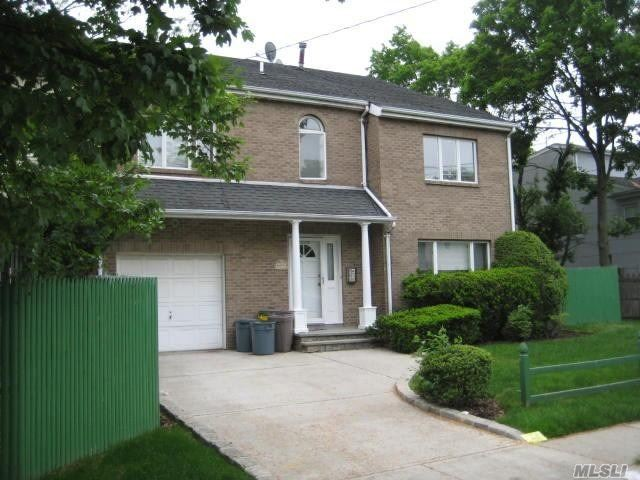 Condo/Townhouse, Semi Attached, Central Air, Gas Heat, Attached Garage, Large Deck, No Mortgage Permitted, Must Be An All Cash Deal.