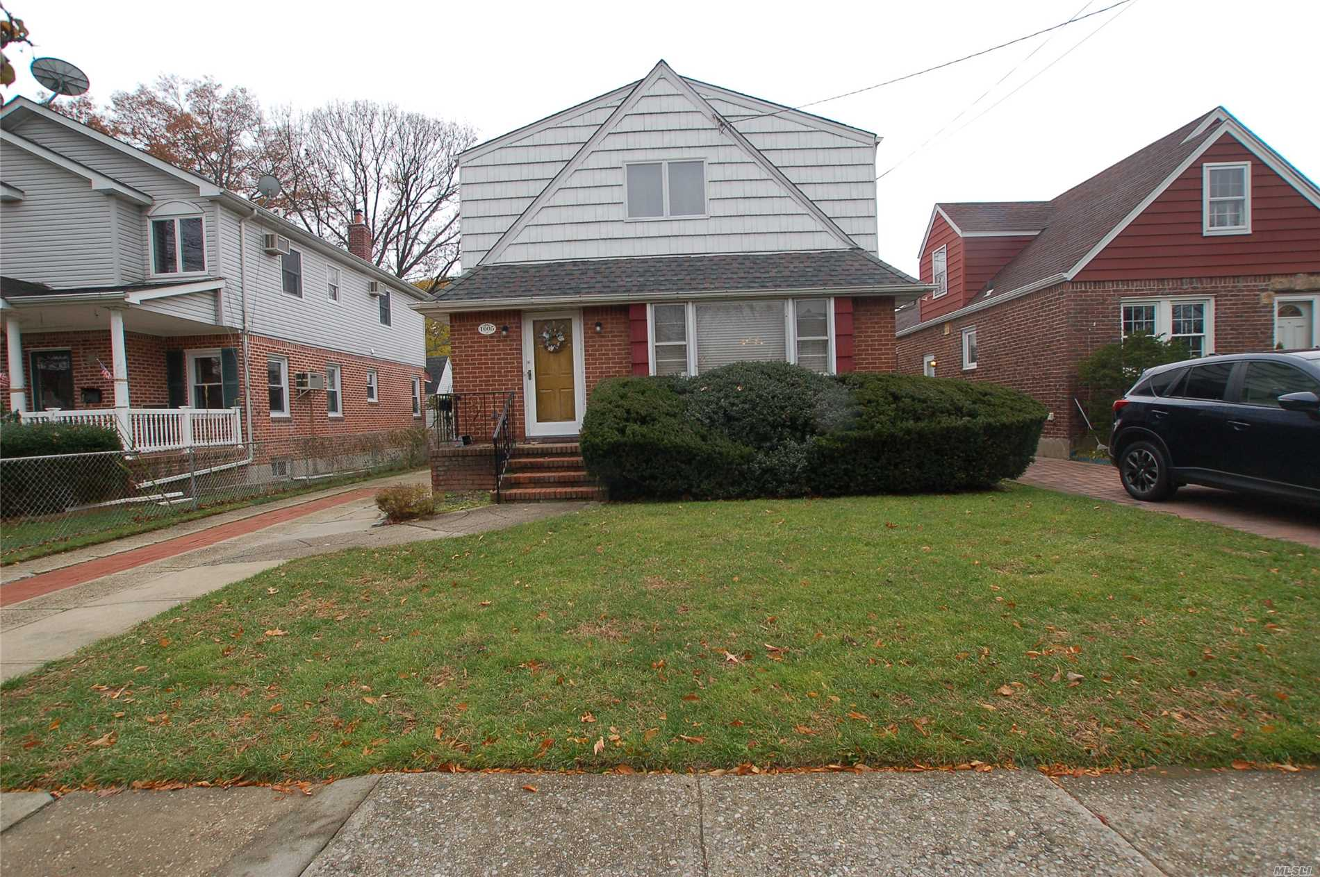 Expanded Cape - Great Size For Large Family!! Walk To Nhp Road School & Nhp Memorial Hs. Ideal Location!!