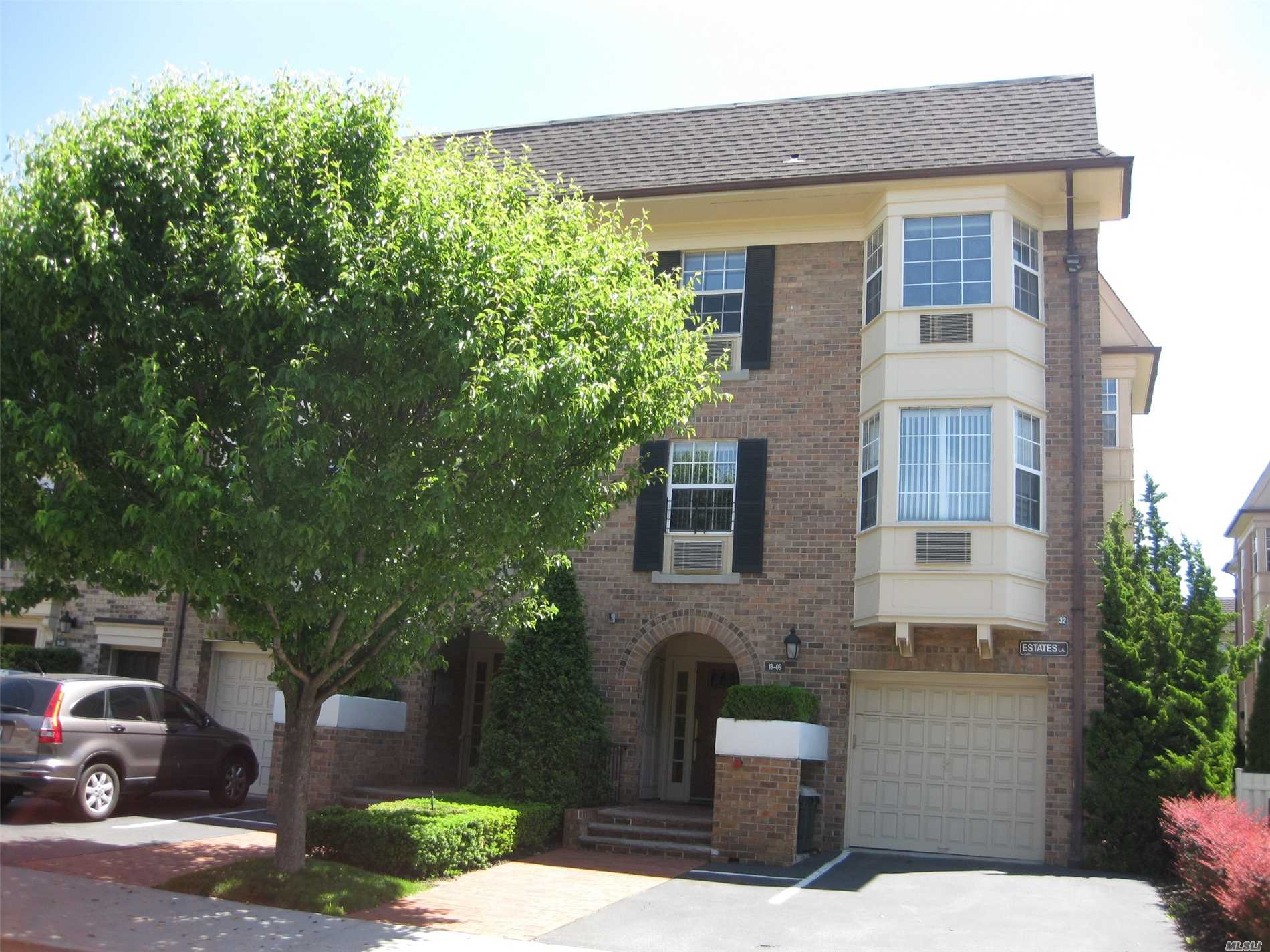 Gated Community Resort Style Luxury Living Prime Location, End Unit, Totally Redone, New Kit & Baths, Hard Wood Floor, Bay Window, Sliding Door To Terrace, 24 Hr Security, Club House Indoor-Out Door Pool, Tennis Court.