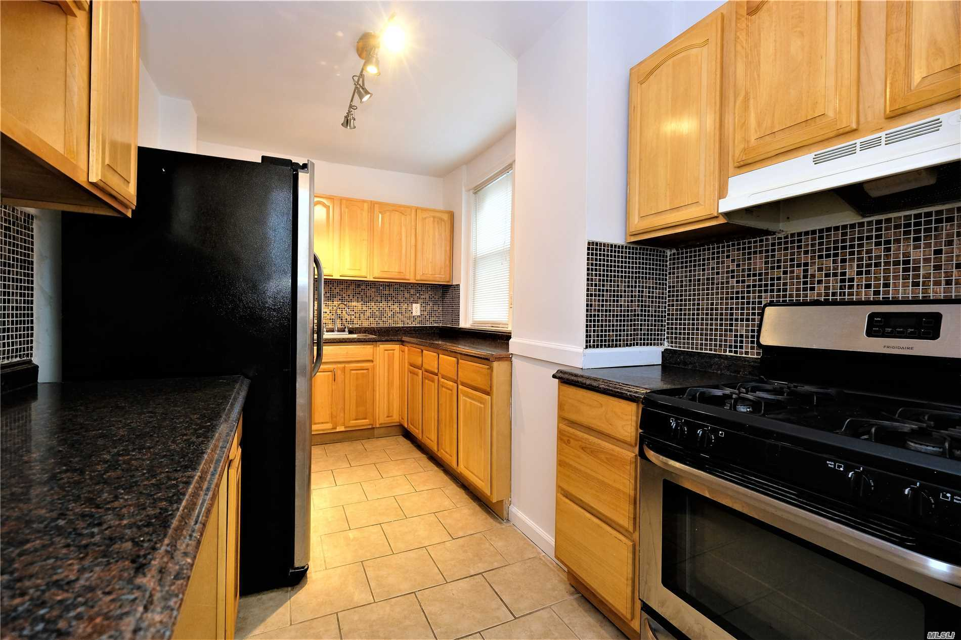 Beautiful Updated 3-Beds 1.5-Baths Includes Driveway, Garage And Backyard.2 Blocks From Vibrant Queens Blvd, Subway, Chase, Dunkin Donuts, Ups, & Restaurants. Short Distance To Subway (F Sutphin & E/F Briarwood Stations) 15Min Drive To Flushing, Jfk & Lga Airport.
