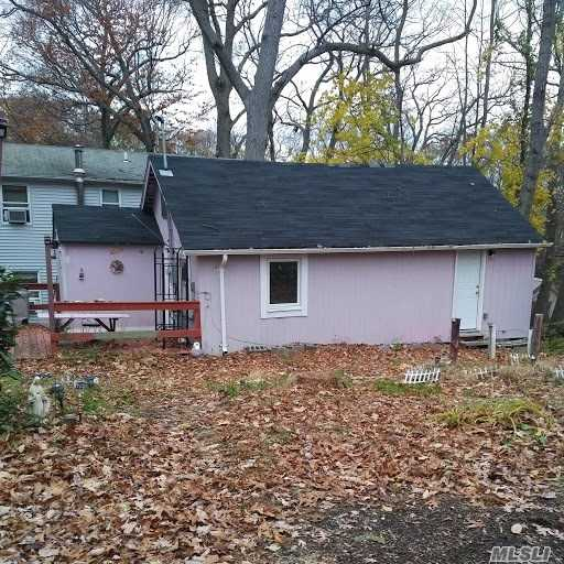 Little Pink Cottage Close To Water. Furnished Only. Pets Welcome. . Not A Big Space.