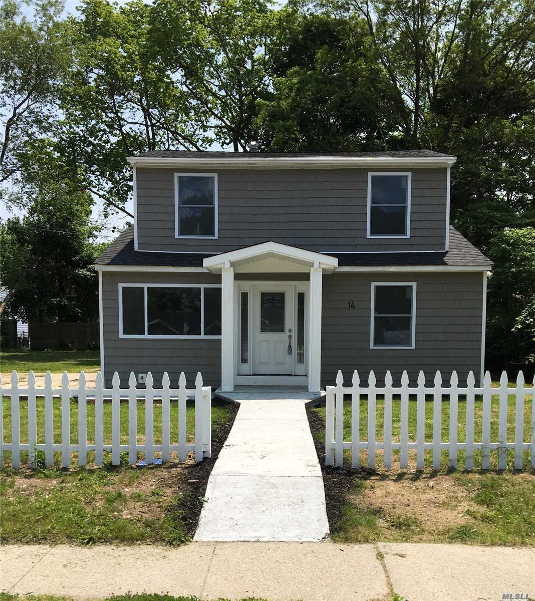 Fully Renovated 5Br/6Br, 3 Full Baths 1526 Sq Ft House. New Roof, Siding, Electric, Windows, Doors, Ss Appliances, Etc. Has A First Level Master Br! 2 Additional First Level Br, And Full Bath For The Kids. The 2nd Level Has 2 Br, A Full Bath, A Laundry Room That Could Be Used A Bedroom Or Kitchen, And Separate Entrance.(2nd level can be used as a 2 bedroom or large one bedroom apartment w proper permits) Brand New Hardwood Floors, With Marble Floors In The Bathrooms