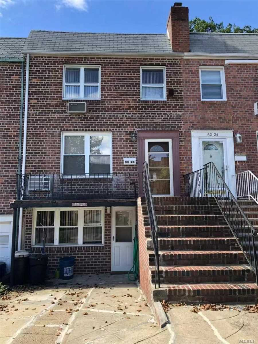 3 Bed 1 Bath In A Duplex. Tenant Responsible For Electricity And Gas Bill. Laundry Can Be Installed. Ps 162 John Golden; Jhs 216 George Ryan. Francis Lewis Hs. Best School Zone In Queens.