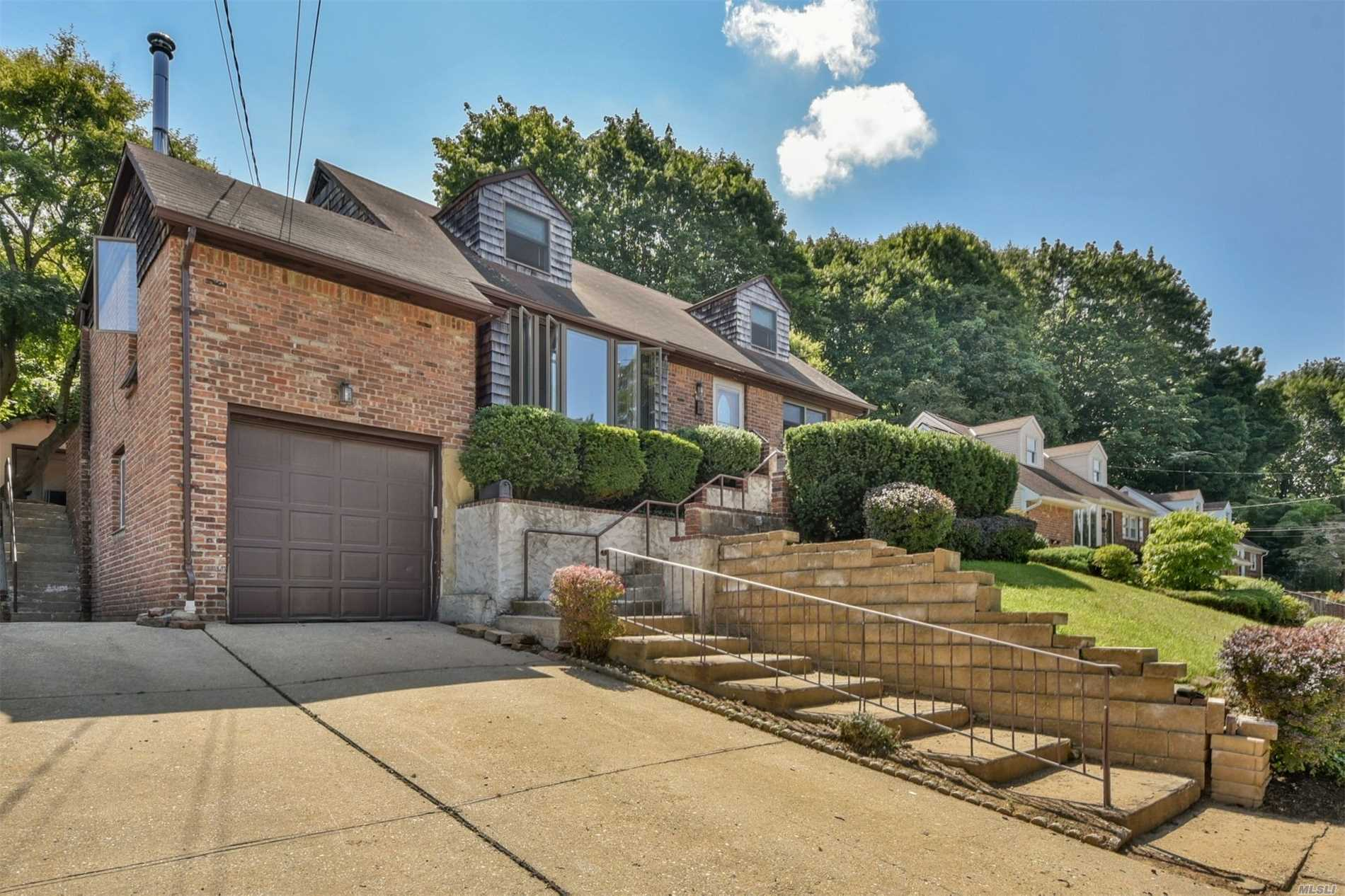 Nice Cape Style Home On A Quiet Cul De Sac And Close To Oyster Bay Downtown Area.