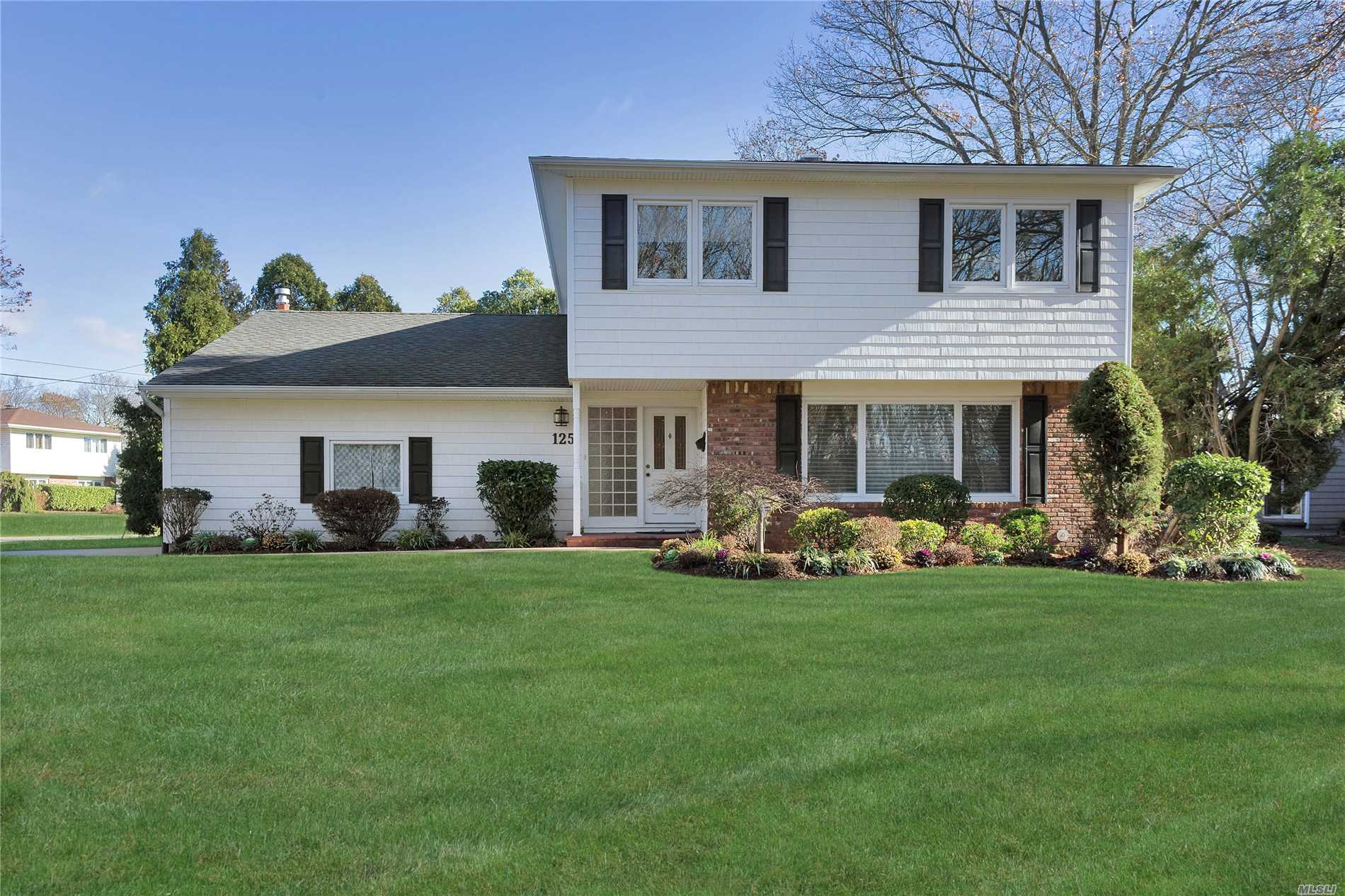 *Unmatched Low Taxes* Immaculate, Tastefully Redone & Superbly Maintained Center Hall Colonial In Desired Damon Park, Parkway Elem., All New Windows, New Ss Appliances/Granite/New Backsplash & Redone Kitch.Cabs. Updated Bths., Ugs, 200 Amps, Alarm, Gas Heat, Cac, Newer Roof/Siding/Brick/Patio/Driveway, Beautiful Landscaping, Gas Fireplace/Built-Ins, New Basement, New Hot Wtr.Htr., Redone Garage With Huge Attic Storage