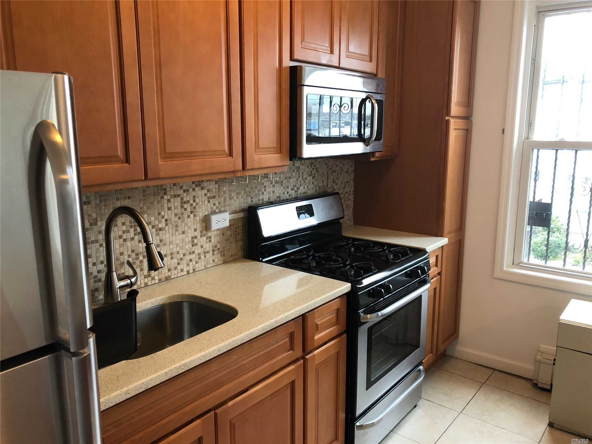 3 Bedroom Apartment For Rent On 2nd Floor. Close To Transportation