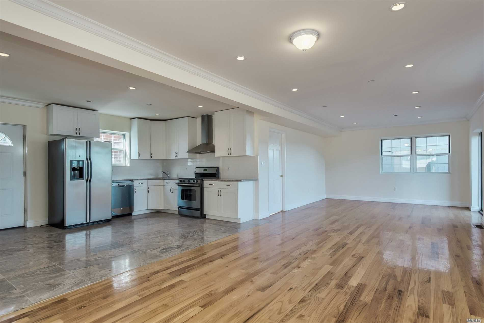 New Construction. Brick/Stucco Colonial On A Private Street, With Amazing Water Views. This Home Features 5 Bedrooms Plus Master Suite, Wood Floors Throughout. Large Kitchen With Open Concept, Stainless Steel Appliances, Many Features To Be Desired.