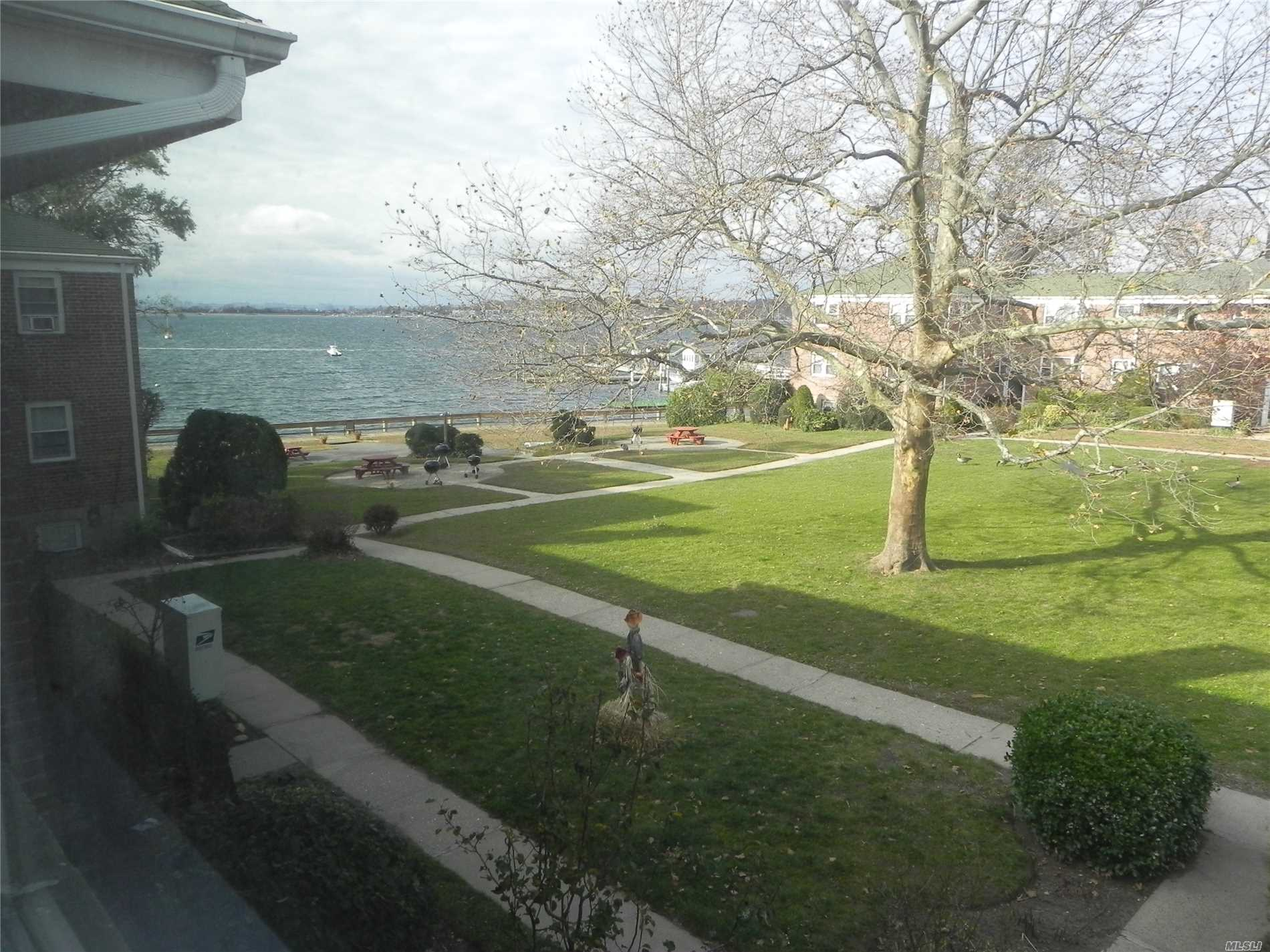 Port Washington. Second Floor, 2 Bedroom/1 Bath Pet-Friendly Unit With Waterviews In Garden Apt Complex Right On Manhasset Bay. Combo Living Room/Dining Room, Updated Eik, Spacious Bedrooms. Heat & Water Included. Laundry Facilities On Site. Shuttle To Lirr M-F, Am/Pm Rush, On Site Super.