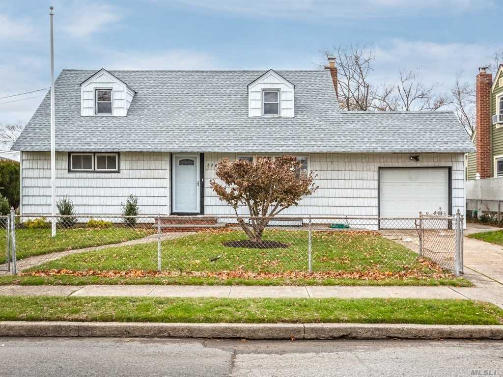 Exp.Cape Cod, Partially Renovated On Nice Size Property. This Home Is Located In The Desirable Sd13, Short Distance To Wheeler Ave Elementary School And Fireman's Field. Home Is Located Less Than 1 Mile From Ss Pkwy And Northwell Franklin Hospital. Take 1/2 Hour Ride To Nyc On Lirr, Close To Jones Beach And Long Beach. Village Amenities Include Parks, Library & Pool. Original Owner. #1 Place To Live In Ny According To Money Magazine!