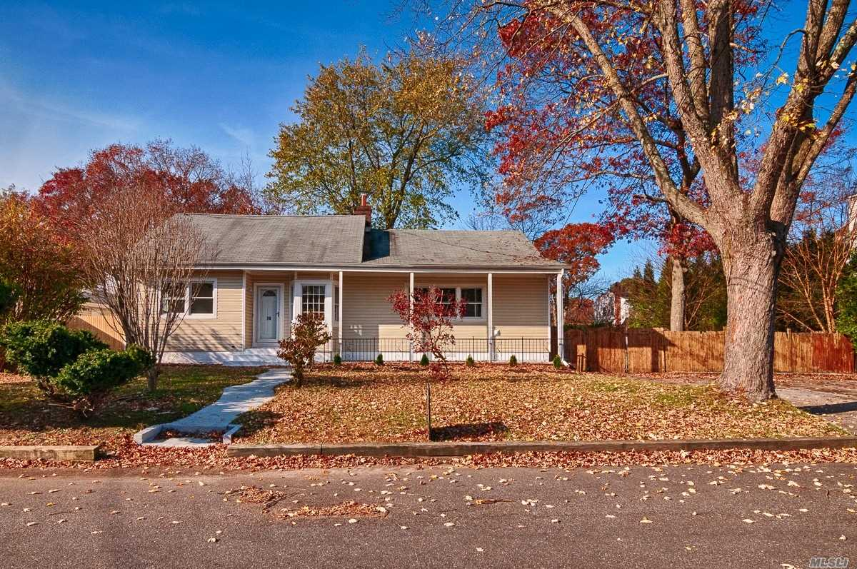 Newly Renovated 5 Bedroom 3 Full Bath Farm Ranch.New Kitchen, Updated Baths, New Carpets, New Flooring, And Freshly Painted Walls. Full Unfinished Basement. Perfect Home For Entertaining. Den/Family Room Offers Wet Bar. Room For Mom Or Extended Family.