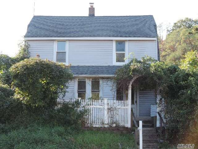 In The Heart Of Oyster Bay, Near All Wanted/Needed Amenities Sits This Colonial Style Home In Need Of A Total Make-Over! Bring Your Imagination & Make This House A Home Again Or Build The Home Of Your Dreams! Excellent Opportunity At A Price You Can't Beat!