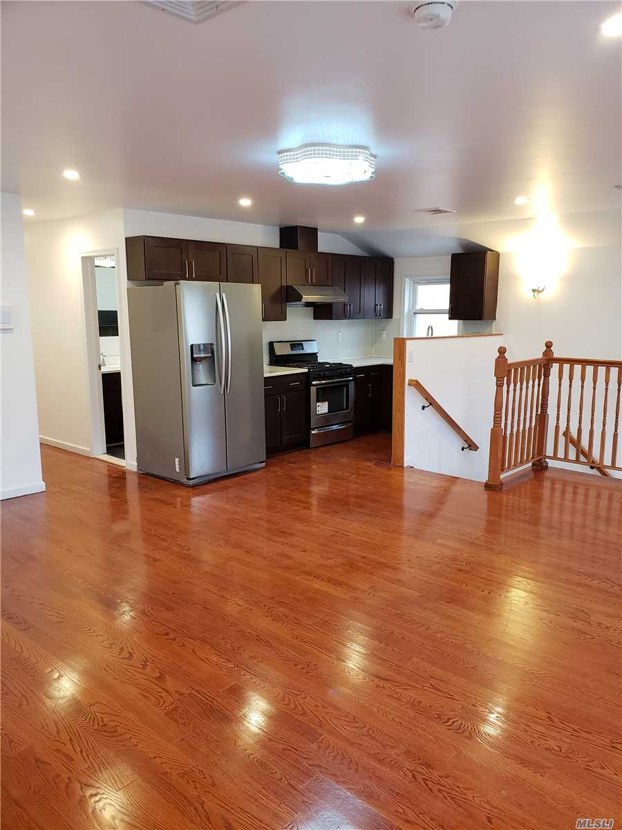 Mint Conditions House At Oakland Gardens Close To Alley Pond Park, Approx 1200 Sqft , 3Brs , 2 Full Baths With Spacious Living Room/ Dining Room,  East & West Side 2 Balconies , Ample Street Parkings Close To Alley Pond Park,  26 Sd( Ps. 213, Ms. 74 & Cardozo High School), Good Transportation Q27, Q88, Q30/Qm5/Qm35 , A Must See !!!