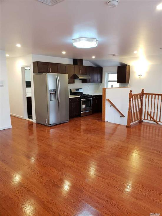 Mint Conditions House At Oakland Gardens Close To Alley Pond Park Approx 1200 Sqft