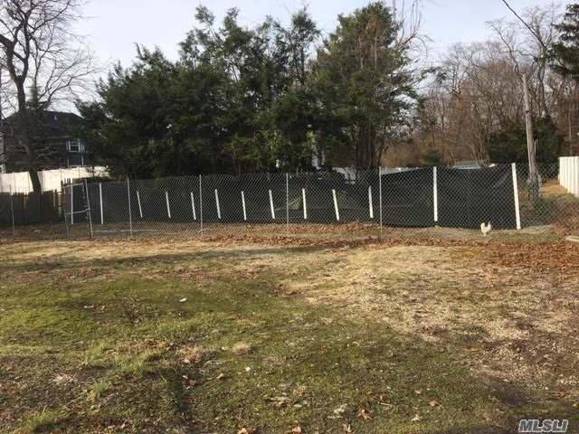 Large, Flat Level Vacant Buildable Lot, Almost 1/2 Acre, Backs Bethpage State Park & Golf Course, Private Serene Setting, No Variance Required To Build, Incorporated Village, Northside Elementary School.