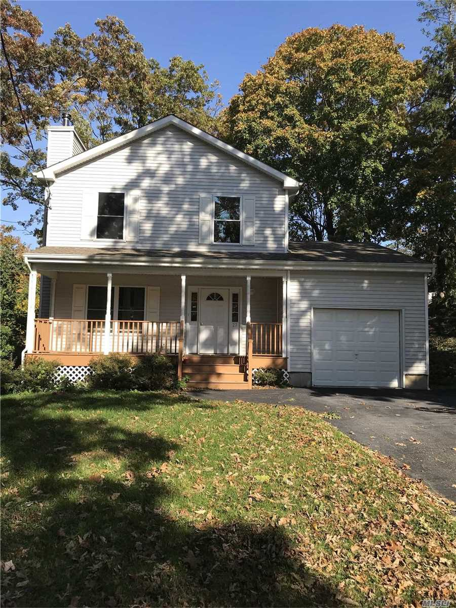 A Really Great Home ! 3 Br, 2.5 Baths, Fireplace, Granite, Tile, Hardwood, Full Basement With Outside Ent, 1 Car Garage, Nice Lot - Priced To Sell Call Today !