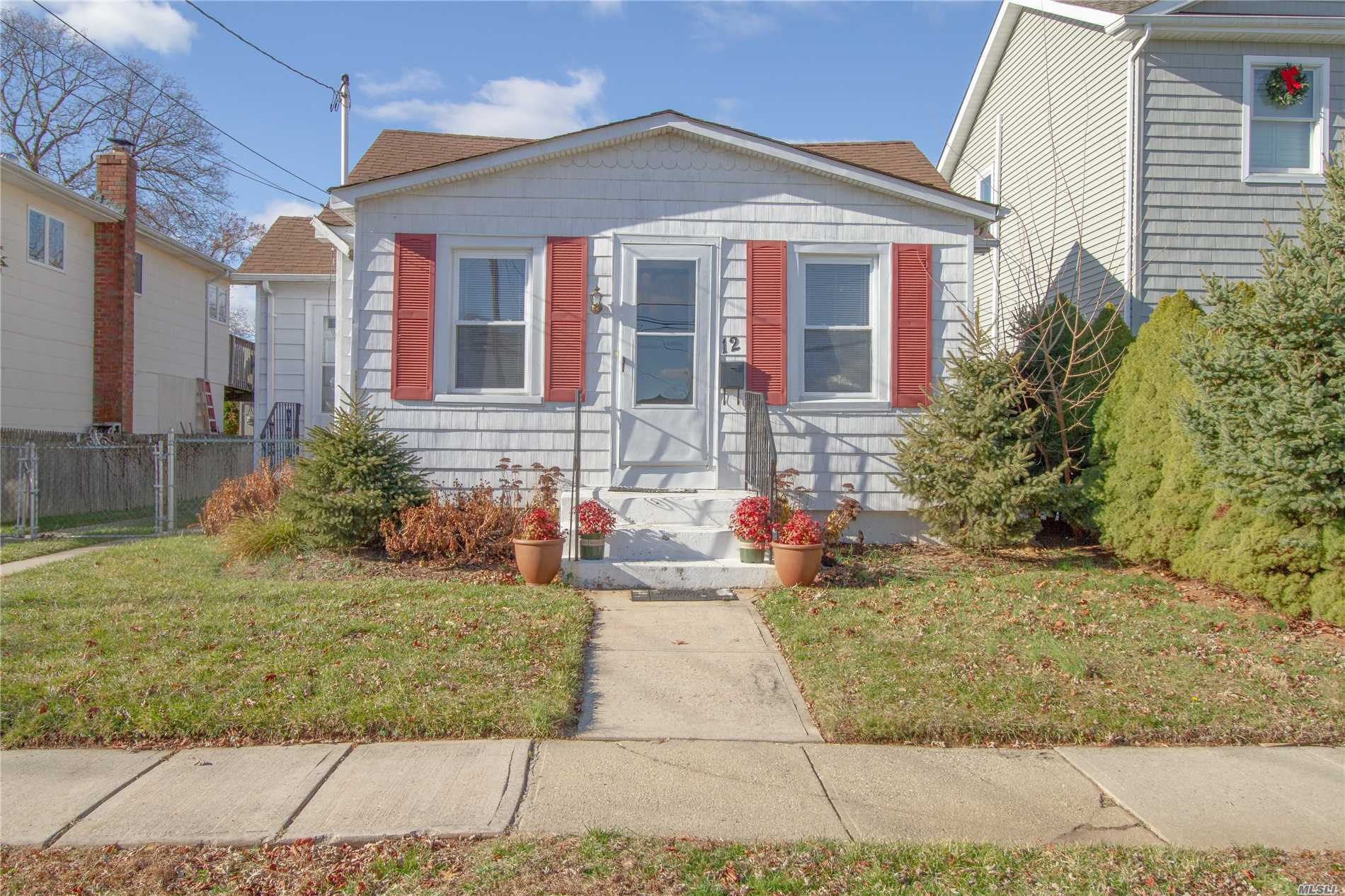 Amazing 2 Bedroom Bungalow Ranch Style House In The Heart Of N.Bellmore. Minutes To The Lirr, Restaurants And Great Schools. Spacious Backyard For Entertaining. House Is Very Energy Efficient. Lowest Priced House In N.Bellmore. This House Has Lots Of Potential And Will Not Last.