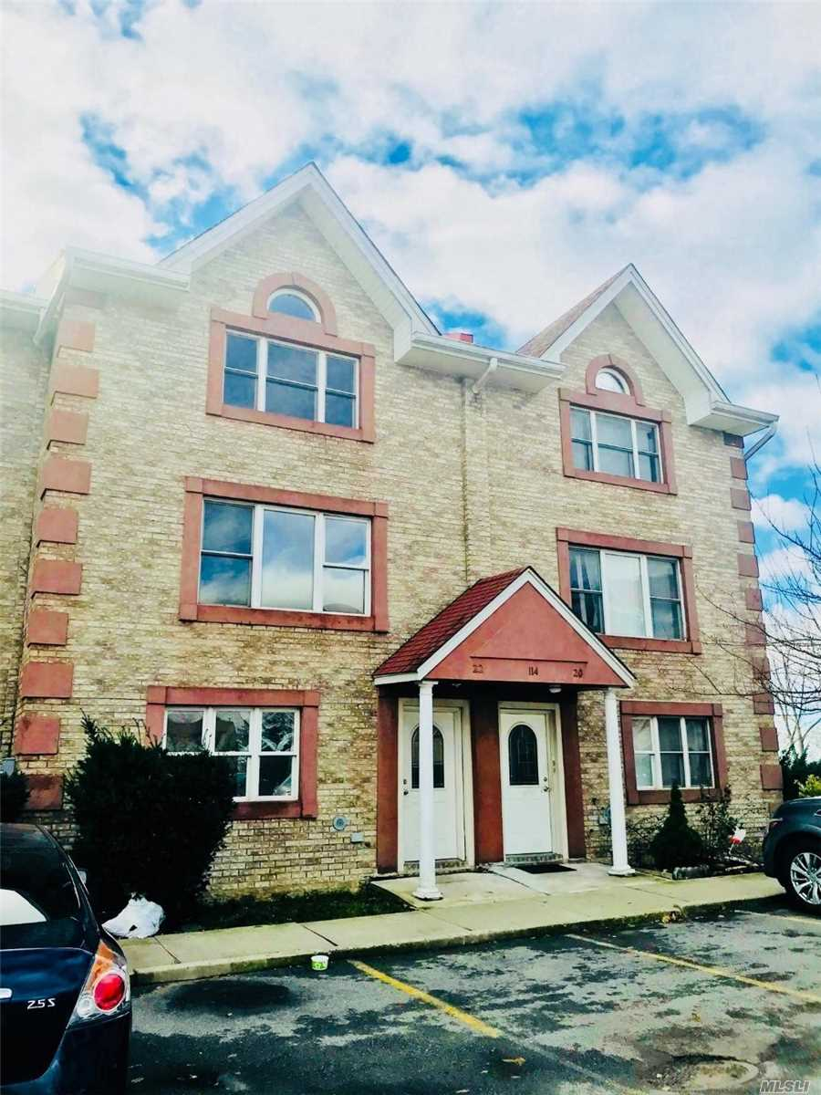 Beautiful Brick 4-Level (Duplex) Legal 2-Family In Private Community. Huge Balcony On Each Of 3 Floors With Stunning Water View. Street-Level Walk-In Basement With Sliding Door To Yard. Brightly-Lit Living And Family Rooms. Hardwood Floor And Central A/C. 2-Car Parking Spaces. Easy To Commute. Near Bus Stops #25 & #65 And Park. Great For Investment. Tenants Pay For Their Own Utilities.