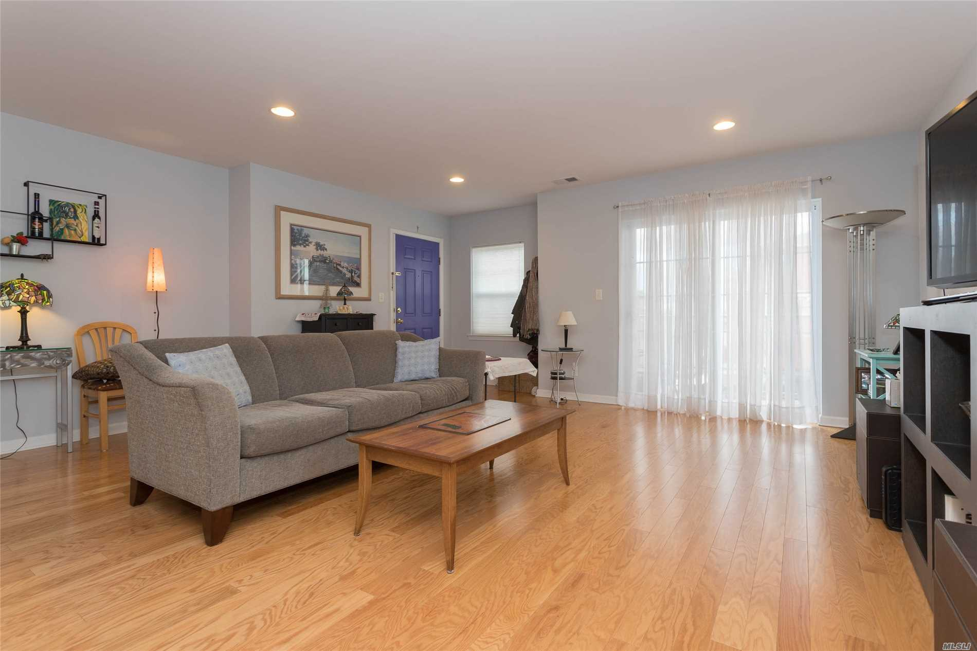 Beautiful 2 Bedroom Condo. Approx. 1166 Sqft. 2 Bath & Terrace. Views Of River, Promenade, Waterfront Park & The Whitestone Bridge. Energy Star Rated. Hdwd Flrs., Kit W/ Granite Counter Tops, Cac. Quiet Neighborhood. Access To 6 Acre Waterfront Park. Pvt Setting, Landscaped Grounds & N/Hood Video Surveillance System. Parking Space Incl. 421 A Tax Abatement Discount Reduces Taxes To $643 Annually. Near Schools, Transportation & Macneil Park.