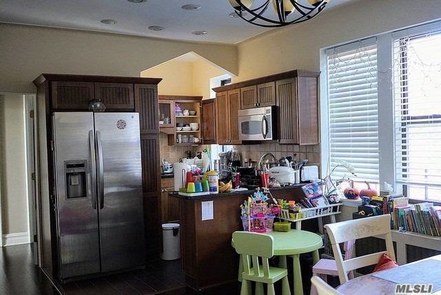 The Only Penthouse Unit (C307/C308) Unbelivable Rare For Sale Totally Renovated Mint Condition Two Bedroom, Two Bathroom, 1300 Square Footage, Livingroom, Diningroom, Chef Style Stainless Steel Appliance Eat In Kitchen, 9 Foot Ceilings, 6 Closets, Expresso Bean Colored Hardwood Floors Two , Huge Bedrooms, Water Views, Private Corner Area In Building In The Most Desirable & Convienent To Everything Beechhurst.Walk To Nyc Local/Express Bus, , Shopping, Dining, Parks, Beach Rights, Whitestone School District 25