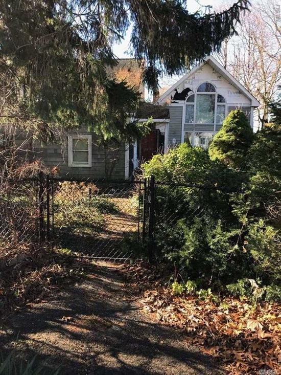 Commission Not Deemed Earned Until Title Passes. No Offer Considered Accepted Until Formal Contract Of Sale Is Fully Signed And Delivered.  Call All Investors!! Great Opportunity. House Needs Full Makeover Cash Only As Is No Co For Garage