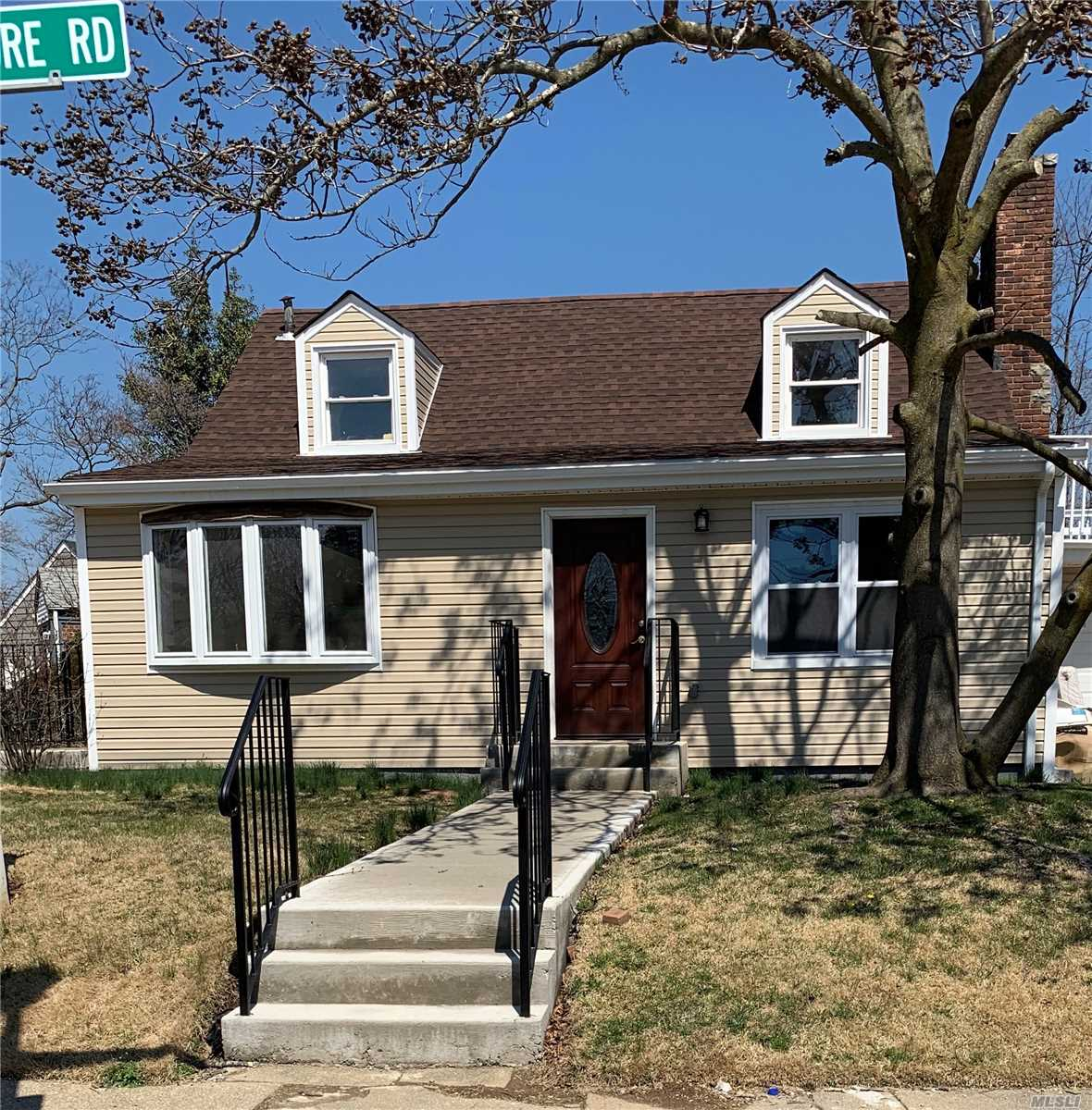Hurry This Home Won't Last! Move Right Into This Renovated And Up-Dated 4 Bedroom, 3 Stunning New Bathrooms, New Eat In Kitchen. Hardwood Floors & For More Added Living Space A Full Finished Basement .Too Much To List Must See.