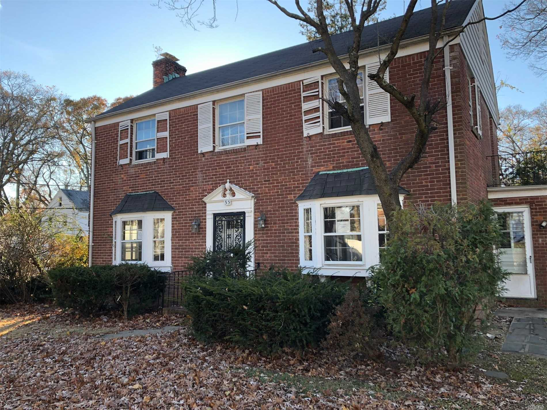 Colonial Style Home. This Home Features 3 Bedrooms, 1.5 Baths, Formal Dining Room, Eat In Kitchen & 1 Car Garage. New Roof. Centrally Located To All. Don't Miss This Opportunity!