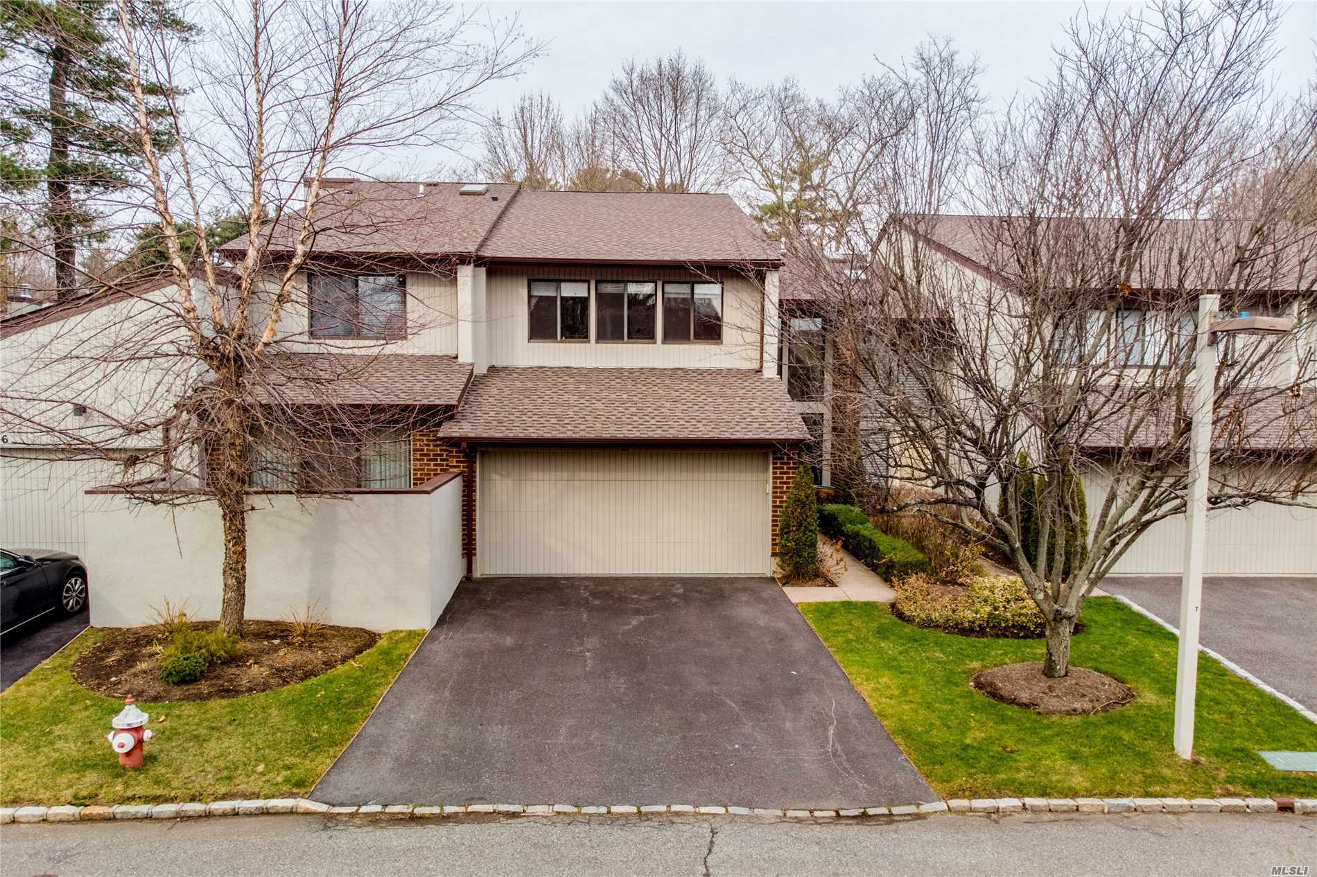 Great Location! Next To Club House And All Amenities. Master Bdrms Facing South And Gets A Lot Of Sunlight, Two Bdrms, Living Rm And Family Rm All Have Views Of Pond. Large Deck, Two Garages, 24 Hr Guard.
