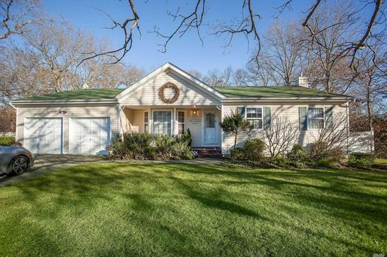 Highly Desired Emerald Hills Ranch Boasts Vaulted Ceilings Throughout. Light & Bright Updated Kitchen W/Center Island, New Ss Appliances & Quartz Counters. Large Master Bed W/ Full Bath, 2 Additional Beds & Full Bath, Main Floor Laundry. Full Basement W/ Plenty Of Room For Extended Family, Egress Window, Storage & Rec Room/Office. Fully Fenced Flat Yard, 9 Zone Igs, Deck & Above Ground Pool, 2 Car Garage. All Situated Minutes From Shopping, Restaurants & More. Low Taxes! Longwood Schools. Must See
