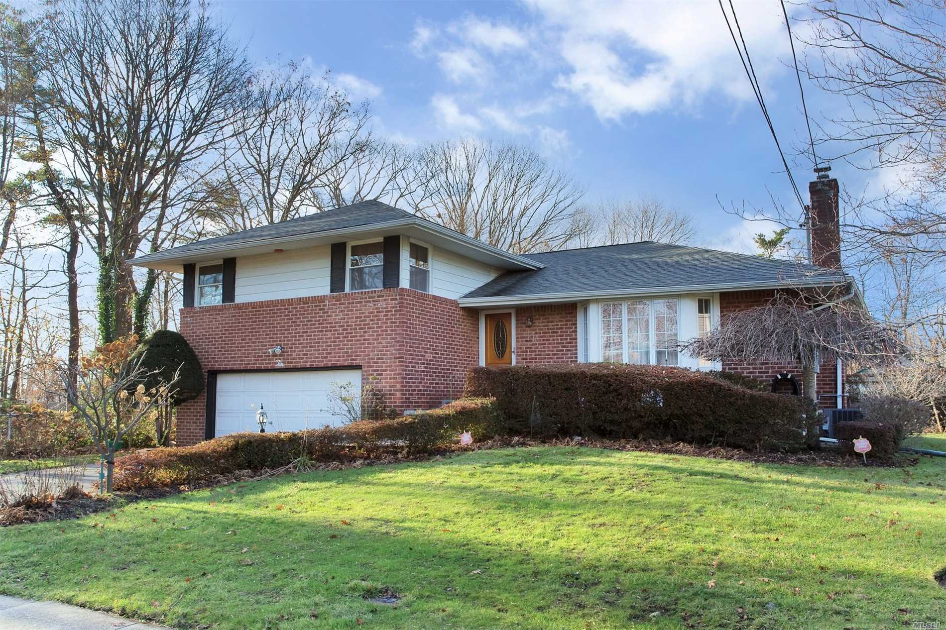 Mint 3 Bedrooms, 2.5 Bathroom Split, 2 Car Garage, Hardwood Floors, Kitchen Upgraded Under 5 Years, Granite Counter Top, New Cabinets, Include Swivel Storage, Recess Lighting, Dual Connection Stove, Cac, Sprinkler System, Cedar Closet, Bar, Great Backyard For The Family.