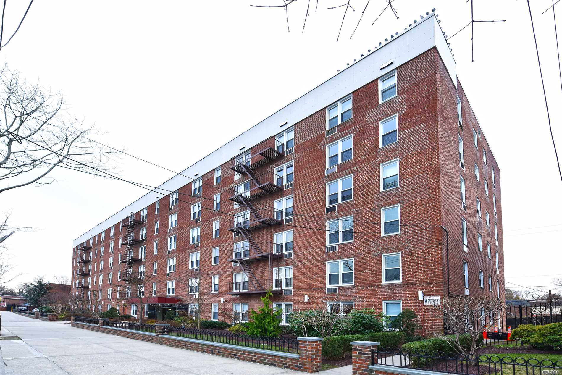 Commuter's Dream! Only One Block To Bell Blvd's Lirr & Just 20 Mins To Penn Station. Spacious & Bright Jr4/ 2 Bedroom. Large Living Room/Dinning Combo. Hardwood Flooring. Huge Master Bedroom With Double Closet. Unit Faces Front Of Building. Located Perfect In The Heart Of Bayside's Bell Blvd With All The Best In Shopping, Eateries & Lounges. Nearby Express Bus(Qm3), Local Buses Q13(To Flushing) & Q31. School District #26. Immaculate Building, Very Well Maintained. Move-In Ready!