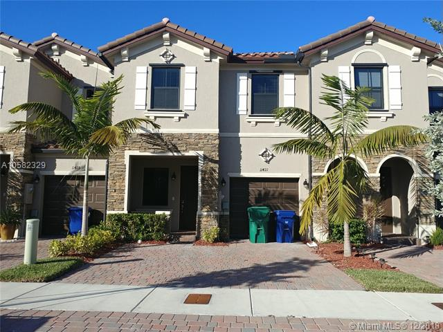 Elegant Townhome! 3/3 Plus 1 Car Garage. Features Include, Stainless Steel Appliances, Ice Maker Refrigerator, Dishwasher, Disposal, Large Pantry, Front Porch, Plus Fenced In Back Yard. For Your Convenience The Washer And Dryer Are Inside The Home. Clubhouse Includes A Pool With A Child Pay Area, And Fitness Room.