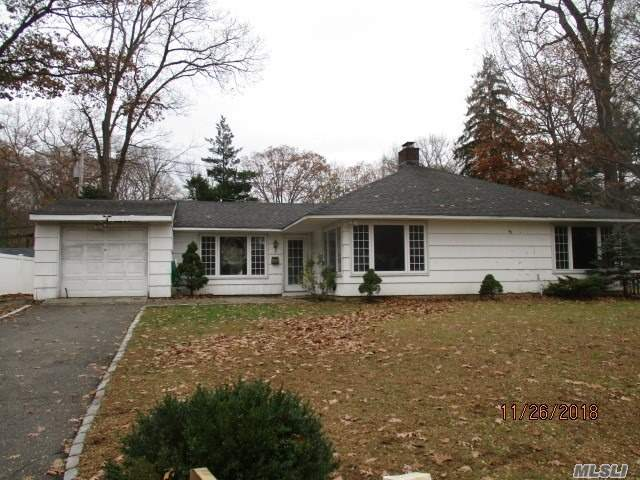 Spacious Ranch With Open Floor Plan , Set On Lovely Tree Setting . Lots Of Space
