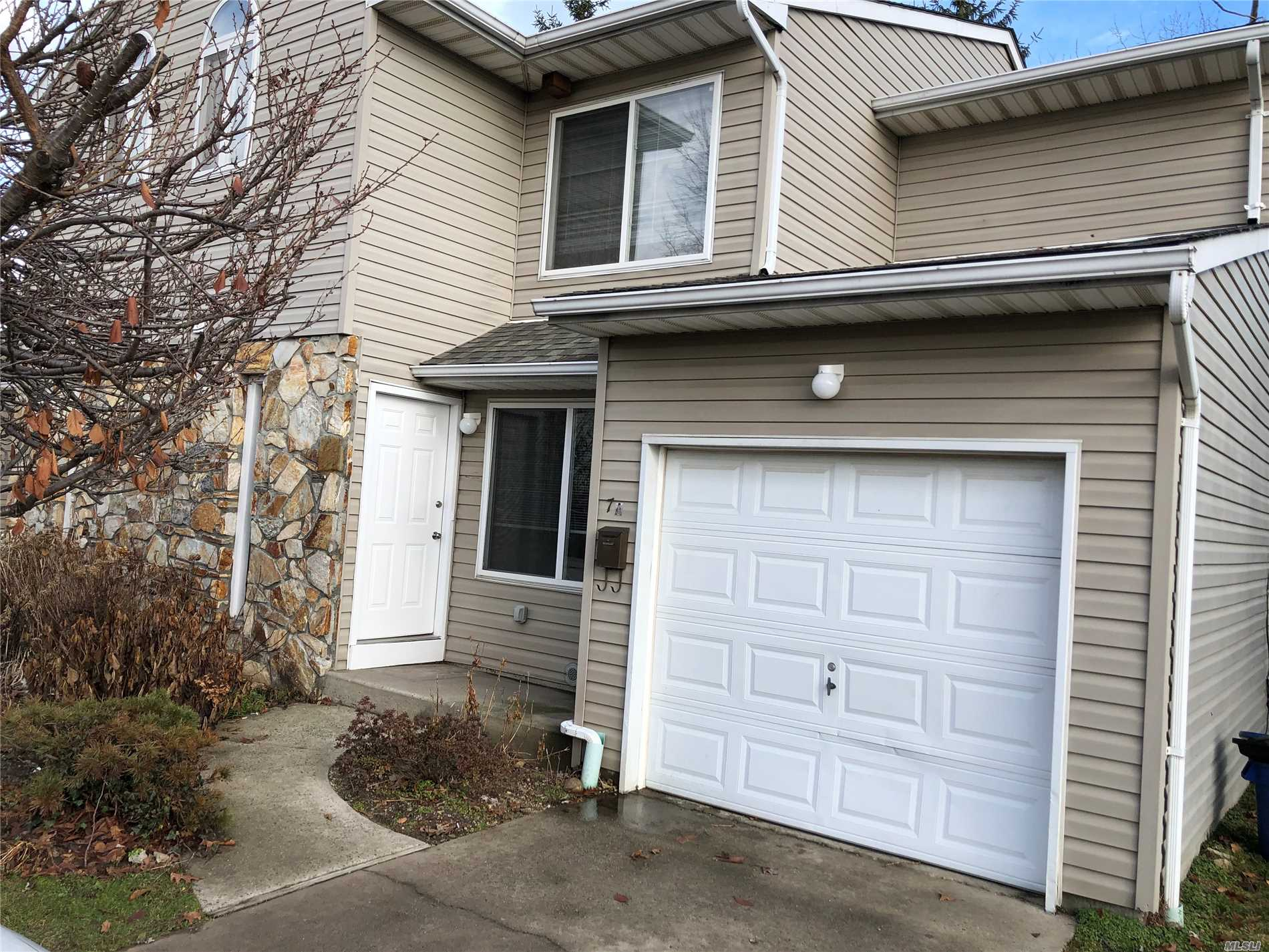 Spacious Duplex Featuring Lr/Dr, Eik And .5 Bath On First Floor. Upstairs Offers Mbr, Mbth, + 2 Bedrooms & Full Bath.