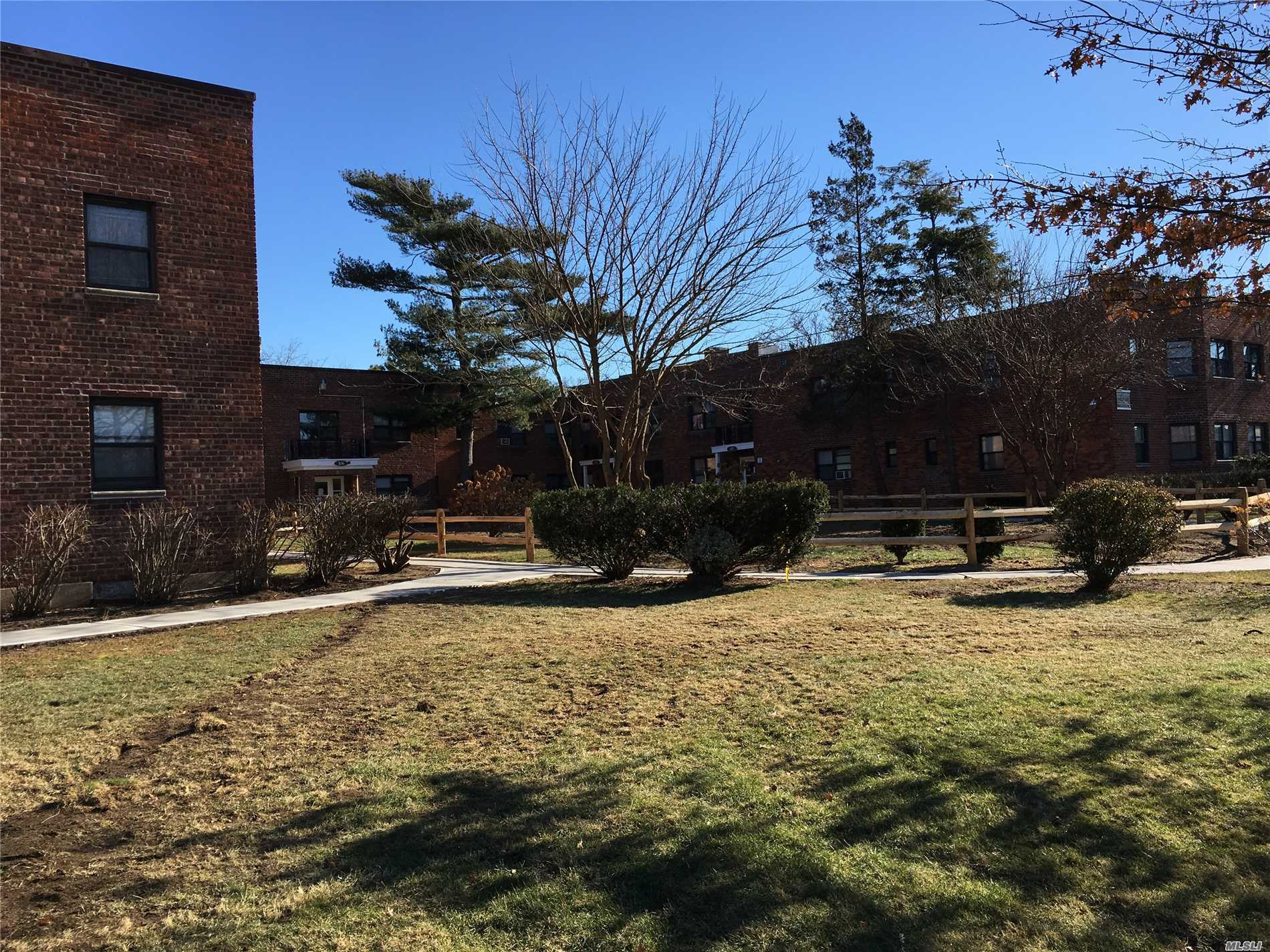 Studio Apartment Garden Complex, 2nd Floor;  Coin Operated Laundry Facilities