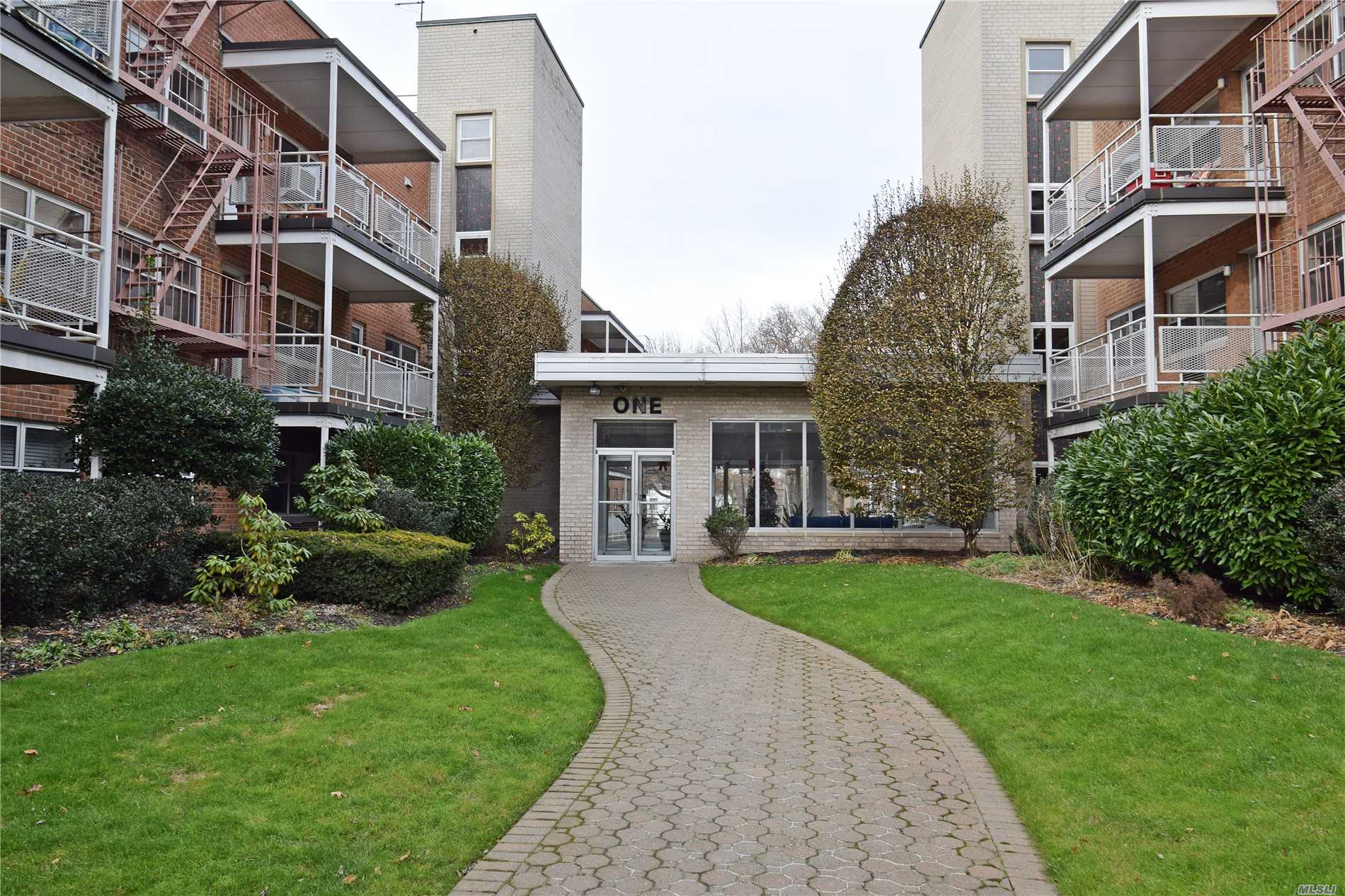 Fabulous Opportunity To Make This Centrally Located One Bedroom Apartment Spectacular! Close To Park, Town, And Transportation. Opens To Bright Terrace And Includes Parking Spot.