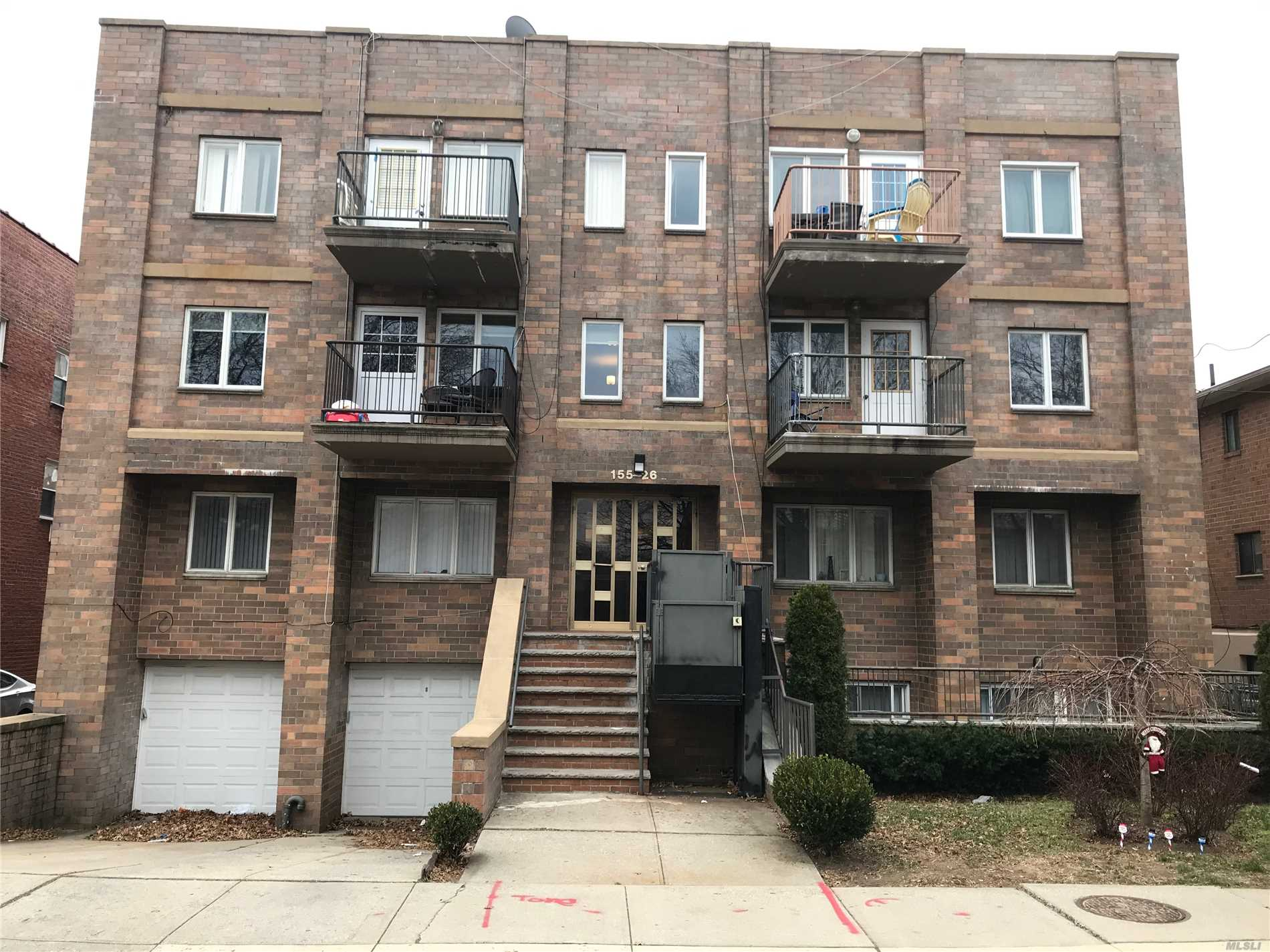 This Is A Condominium Space With 135 Sqft. Common Charges Include The Following: Electric, Water Bill, Liability Insurance, Repairs For Common Areas And Monthly Management Fee.