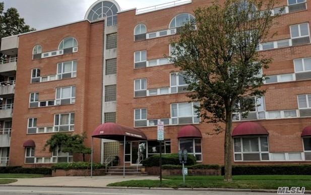 Compact, Yet Spacious & Efficient 1 Bedroom Condo In The County Seat! Nice Eik, Living Room, Master Bedroom With Full Bath & 1/2 Bath As Well! Parking Available, Elevators, Washer/Dryer Hook-Up In Unit & Pet Friendly Building! Centrally Located To All Wanted & Needed Amenities! Come & Put Your Personal Updates & Enjoy Maintenance Free Living!