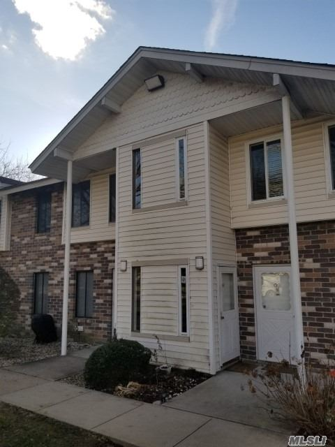 4 Room Deluxe 2nd Fl Coop. Located In North Isle Village. Large Lr, Dr, Kit, Full Bth, Master Br. Amenities Galore. Investors/Subletting Allowed. Indoor & Outdoor Pool. Tennis Courts And Club House. Close To Transportation, Major Roads And Shopping.
