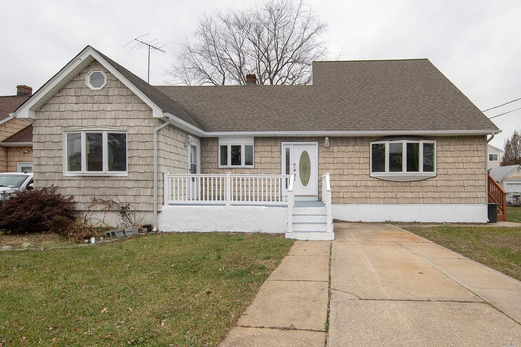 Mother Daughter Set Up (New Buyer Has To Apply For Proper Permits), Brand New Kitchen W/ Granite Counter Tops And New Appliances, 3 New Full Bathrooms, 2 Living Rooms. Master Bedroom Has Master Bathroom, Wic. Separate Entrance, Deck.
