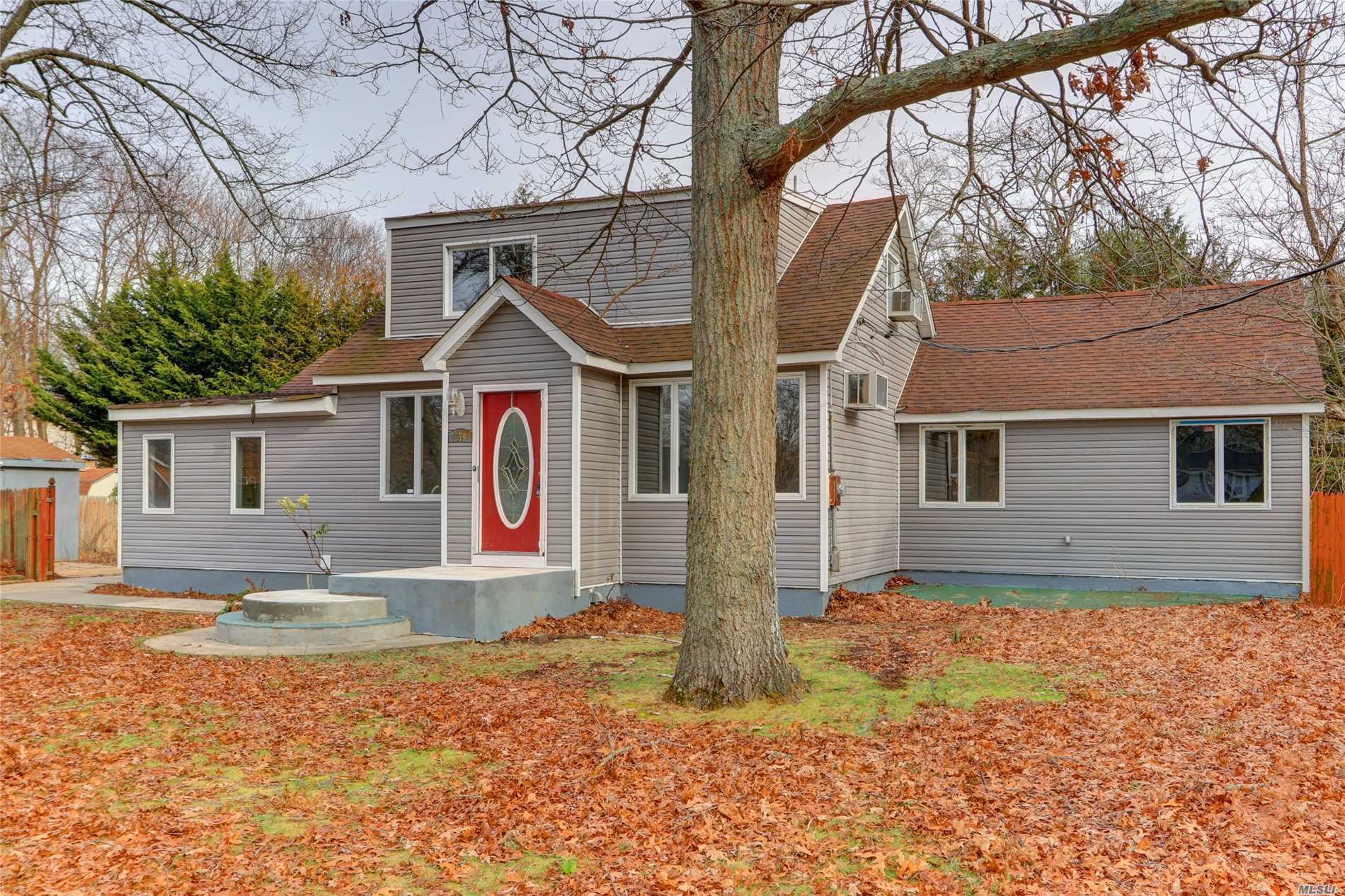 Great Starter Home Featuring A Large Master Bedroom With Sittling Are/Office On First Floor. 3 Additional Bedrooms Upstairs. 2 Full Baths. Formal Dining Rm, Eat In Kitchen, Fomal Living Rm, Breakfast Nook, Updated Floors,  New Vinyl Siding.