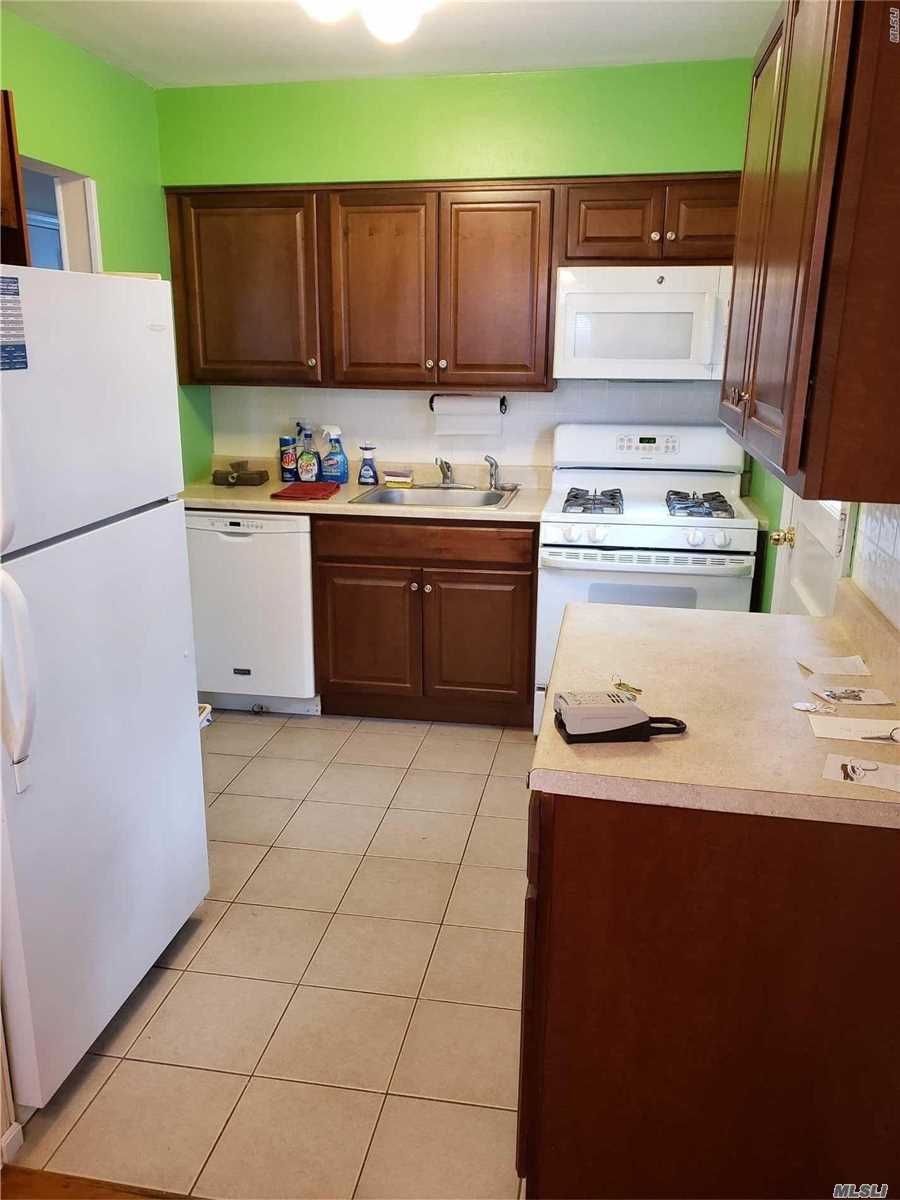 Bright First Floor Two Bedroom With Updated Kitchen & Bathroom. Wood Floors, Zoned For Blue Robbin Award Winning Shaw Ave School, Nice Sized Bedrooms With Closets, Front Patio