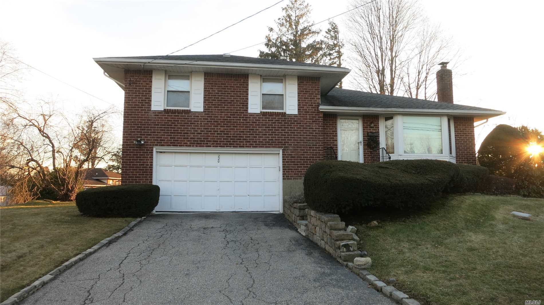 Beautiful 3Br X 1.5 Bath Split In Mint Condition. Sun-Filled Lr/Dr With Bay Windows, Updated Eik W/Granite Counter And Maple Cabinets. Spacious Full Finished Basement With Tile Floor, Great For Playroom/Office. Attached Garage, Gas Heat/Cooking. Tenant Must Apply Thru National Tenant Network And Pay A $35 Application Fee Per Applicant.