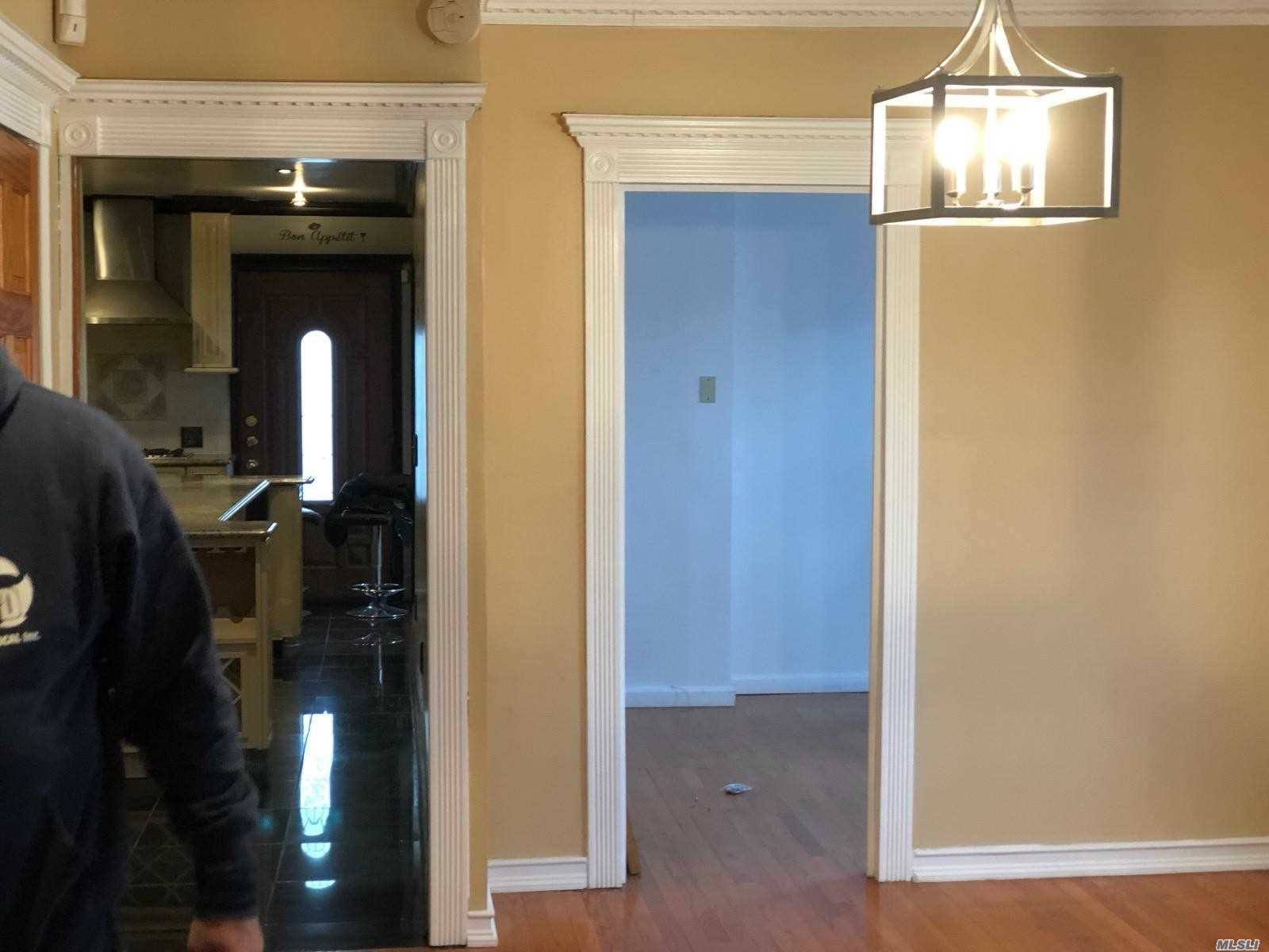 Beautiful 3 Bed Room Apartment, 2 Full Bath, Electric, Gas, Heat, Water Included. Updated Kitchen With Stainless Steel Appliances , Granite Counters, Master Bedroom , Living Room And Dinning Room , Closets And Hard Wood Floors. Note:!!!!! All Utilities Are Included !!!!!!!!