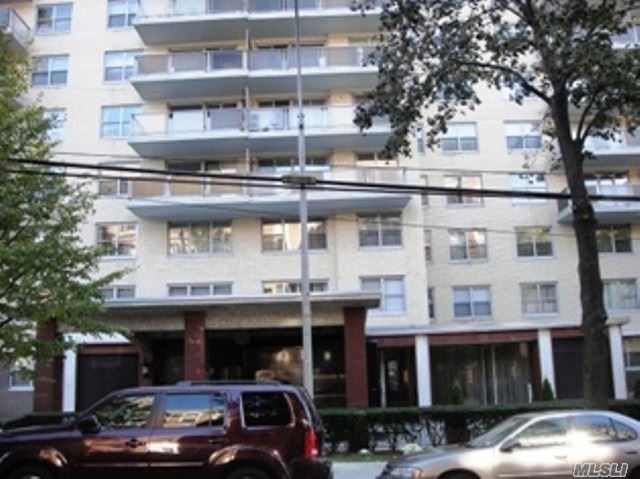 Bright And Sunny One Bedroom Co-Op In Desirable Camelot Building. Great Closet Space! Apartment Needs Tlc Washer And Dryer On The Premises. Features Include Gym, Pool, And Sauna With A Small Fee For Membership. Close To Ground Transportation, Major Highways, And Easy Shopping. In School District #29